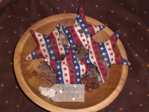 apr10011 300x225 Americana Primitive Decorations for Memorial Day and The Fourth of July