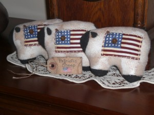 apr18001 300x225 Americana Primitive Decorations for Memorial Day and The Fourth of July