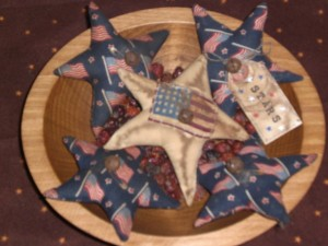 apr29005 300x225 Americana Primitive Decorations for Memorial Day and The Fourth of July