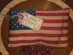 apr29008 300x225 Americana Primitive Decorations for Memorial Day and The Fourth of July