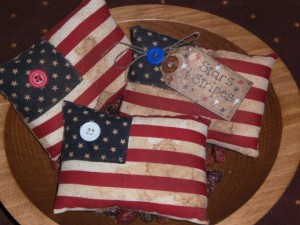 apr29a001 300x225 Americana Primitive Decorations for Memorial Day and The Fourth of July