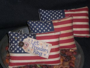 cimg0473 300x225 Americana Primitive Decorations for Memorial Day and The Fourth of July