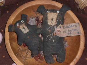 primitivecountryfolkartornamentsbears 300x225 Primitive Country Folk Art Ornaments