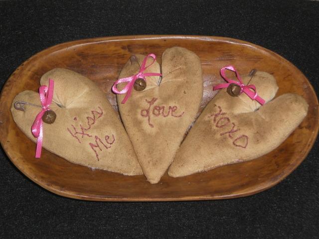primitive valentines day ornies