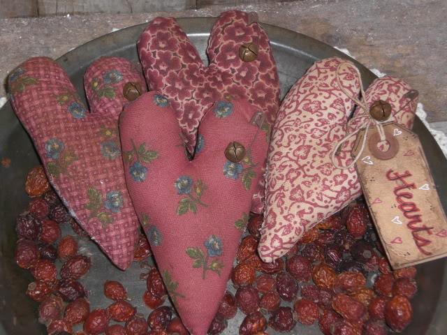 prim valentines day ornies