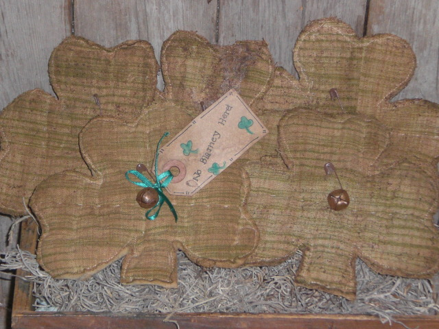 Primitive St Patricks Day Shamrock flatties