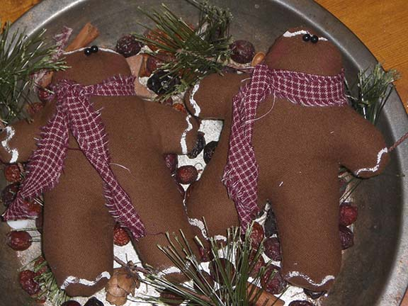 PrimitiveChristmasGingerbreadMen Primitive Christmas Ornies and Bowl Fillers