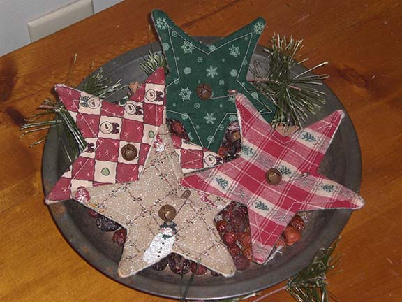 PrimitiveChristmasStars Primitive Christmas Ornies and Bowl Fillers